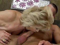 Matures Effie Sates Mans Sexual Needs And Desires And Then Takes Jizz Shot On Her Nice Face