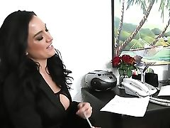 Levi Cash Shoots A Load After Piercings Isabella Madison With Big Milk Cans And Bald Snatch Gives Magic Suck Job