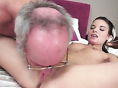 Nubile Lets Dude Stick His Thick Snake In Her Mouth