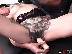 Big-chested Marie Bossette Masturbates While Getting A Tattoo