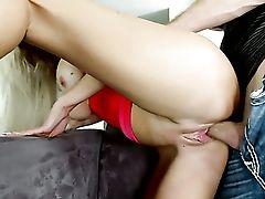 Cougar Loves Pulsating Contraption Deep Inwards Her Raw Spot