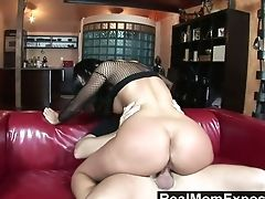Just Truly Wild Milfie Harlot Simone Peach Rails Strong Chisel On Top