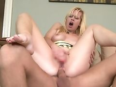 Blonde Lets Man Cover Her Pretty Face In Jizz