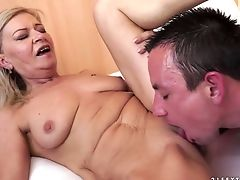 Granny Suzie Gets Her Cunt Fucked And Creamed